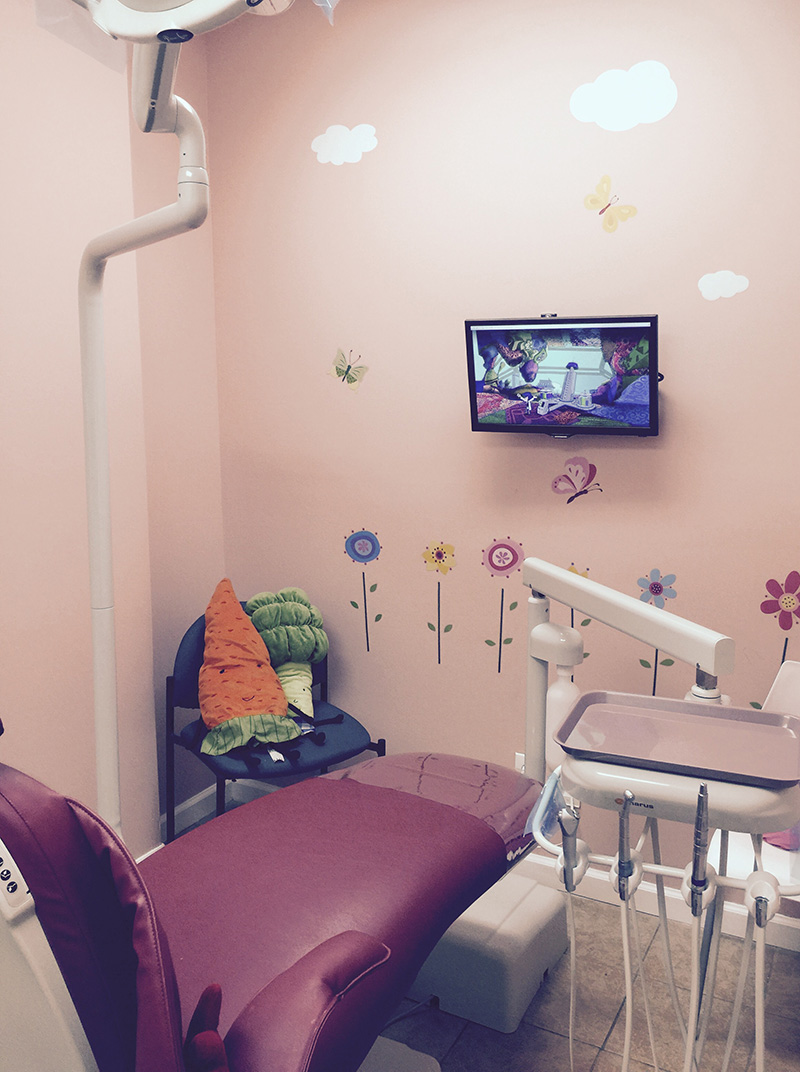 Dental chair for Pediatric dentist Dr. Sue Hwang in Jackson Heights, NY